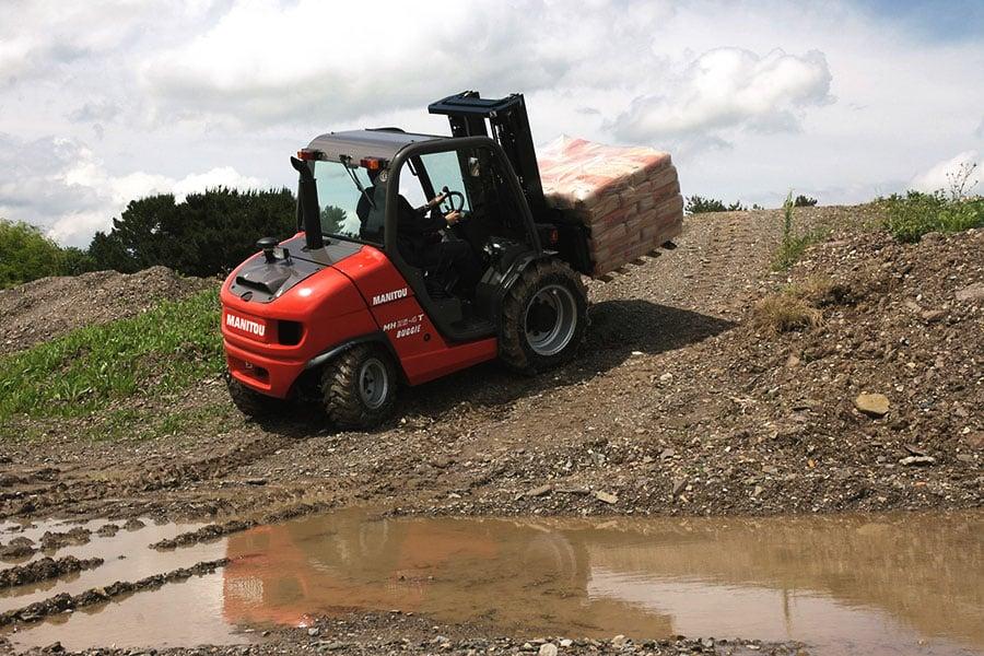 budowa wózka widłowego terenowego