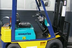 wozek-widlowy-uzywany-spalinowy-KOMATSU-FG15L-15