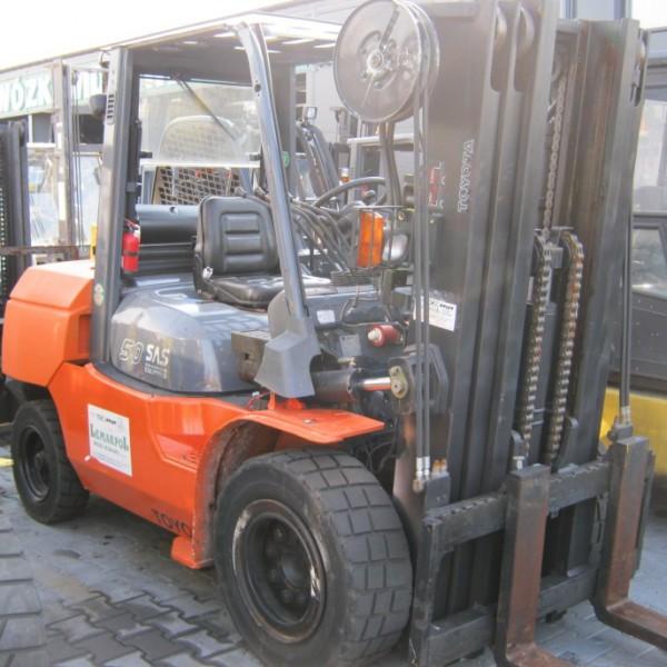 Wóżek widłowy używany spalinowy LPG TOYOTA 02-7FG45c
