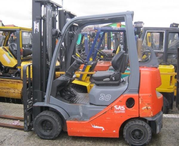 Wózek widłowy używany spalinowy LPG TOYOTA 02-8FGKF20a