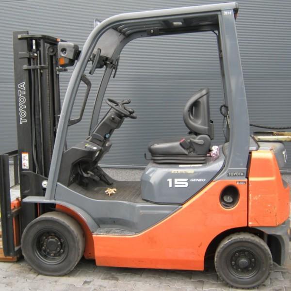 Wózek widłowy używany spalinowy TOYOTA 02-8FGL15