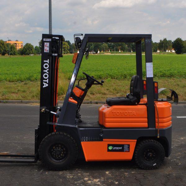 Wózek widłowy używany spalinowy TOYOTA 5FG15
