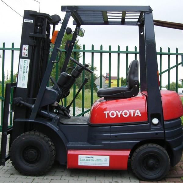 Wózek widłowy używany spalinowy TOYOTA 6FGL15