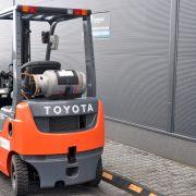 Wózek widłowy używany spalinowy LPG TOYOTA 8FG15 TOYOTA 8FG15