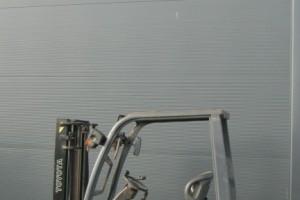 wozek-widlowy-uzywany-spalinowy-TOYOTA-8FG18