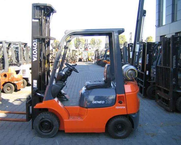 Wózek widłowy używany spalinowy LPG TOYOTA 42-7FGF18