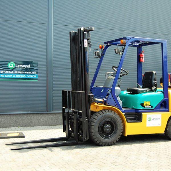 Wózek widłowy używany spalinowy LPG KOMATSU FG25C-12