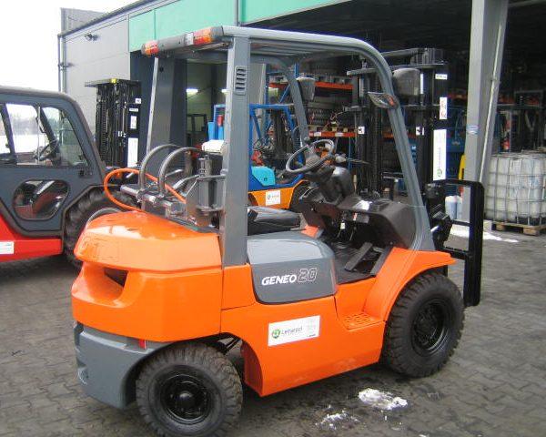 Wózek widłowy używany spalinowy LPG TOYOTA 02-7FG20