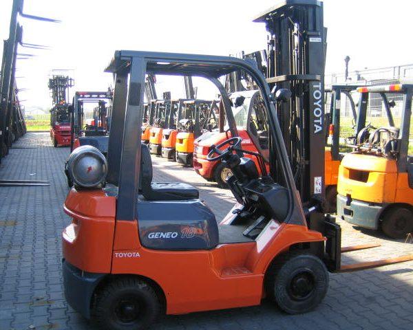 Wózek widłowy używany spalinowy LPG TOYOTA 02-7FGF18