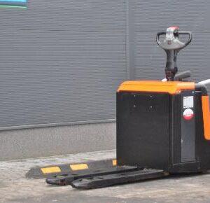 Wózek paletowy elektryczny TOYOTA BT LPE200